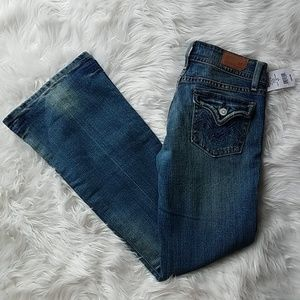 NWT size 3 Vigoss boot cut jeans
